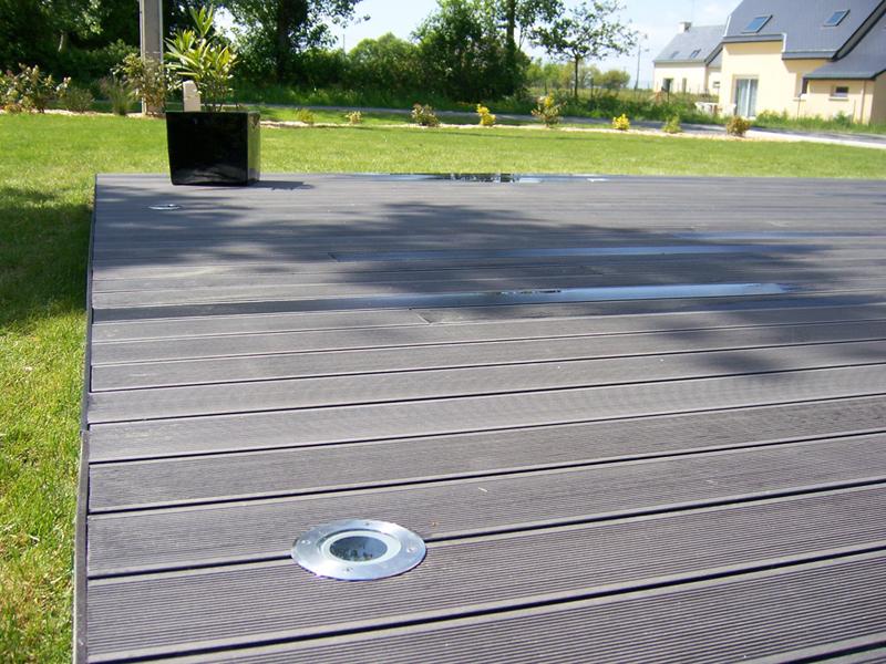 N 39 h sitez plus pour votre terrasse sur nature bois concept for Comdalles composites pour terrasse